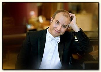 Пианист Евгений Гаврилюк. У Моцарта есть все для общения с Богом